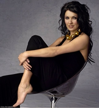 Anna Netrebko is a notable Violetta and, according to her website, she performs Lady Macbeth in 2014.