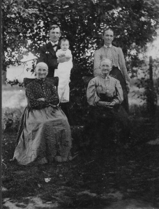Another 1909 photo of Eliza Mahon and her daughter Caroline Crawford, with Caroline's daughter Alice Rush, Alice's son Andy Rush, and Andy's daughter Ruth.