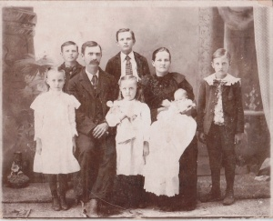 John and Susan Crawford, sons (l to r) Marvin, Josiah, Charlie, and daughters (l to r) Adeline, Ruby, Mary. 1899